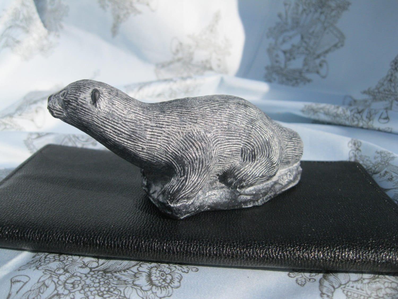 Otter soapstone carvinga wolf originalhand made in canada