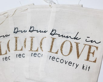 bachelorette party favors/drunk in love muslin bag/hangover kit/bridal party favor bags/bachelorette party gift bags