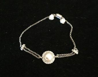 Pearl bracelet, pearl and crystal bracelet, bridesmaids bracelet, wedding bracelet, adjustable bracelet. Silver bracelet