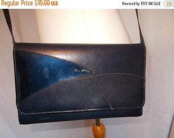 25% Off Summer Sale Vintage navy leather handbag made by Lotus Navy patent detail handbag shoulder bag clutch