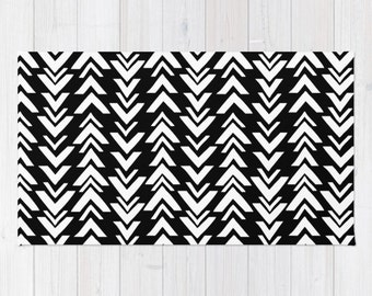 Black and White area rug 2x3 rug modern arrow print dorm room rug 3x5 rug 4x6 area rug chevron apartment decor woven throw rug girls room