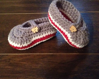 Mary janes for baby to crochet button of wood 0-6 months