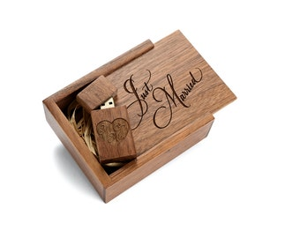 """Walnut Wood 8GB/16GB USB Flash Drive with Laser Engraved Wooden Box Filled with Raffia Grass - """"Just Married"""" Design!"""