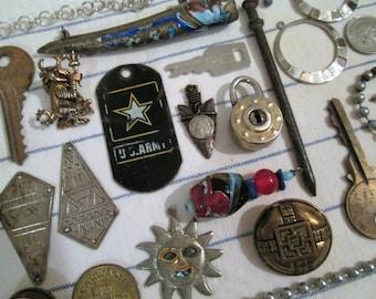 Vintage Destash Lot, Drawer Junk, Salvage Findings, Crafting, Altered Art, Mixed Media, Asemblage Lot...(901)