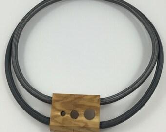 ELECTRO grey tones necklace