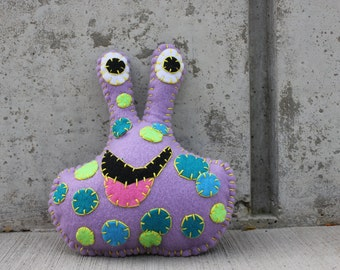 Zuggle Alien Monster Plushie in purple with spots