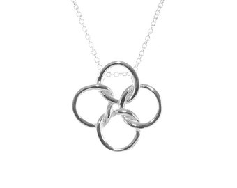 925 Sterling Silver Interconnect Circle Pendant Necklace 16 inches