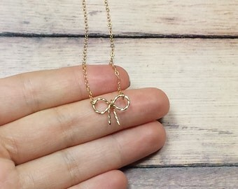 Gold Bow Necklace, Minimalist Bow Necklace, 14K Gold Filled Chain Necklace, Delicate Charm Necklace, Gold Minimalist Necklace, Twisted Bow
