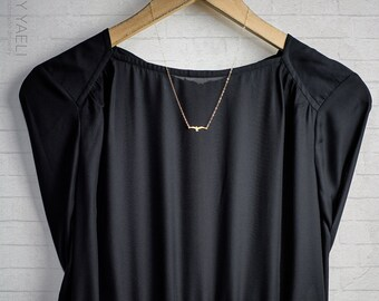 Bird jewelry, bird necklace, seagull necklace, animal necklace, everyday necklace, dainty necklace, simple necklace, minimalist necklace.