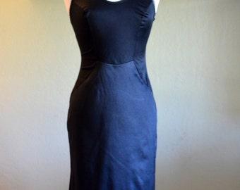 Beautiful Vintage Van Raalte Slip, Black Nylon Full Slip, Bust Size 34, 1950s-1960s