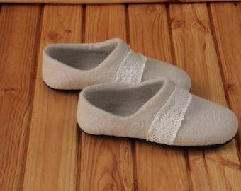 Felted slippers Women slippers Felt house shoes beige Valenki Women  shoes Mothers day gift