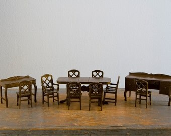 TootsieToy Dining Room Set - 11 Pieces - 1:24 / 1/2 Inch Scale Vintage Metal Dollhouse Furniture