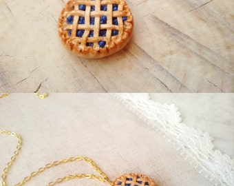 Blueberry pie necklace, clay charm, cake necklace, miniature food charm, pie pendant, blueberry necklace, food jewelry, kawaii charms