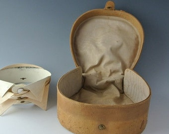 Victorian English Gentleman Suede Travel Collar Box | Early 20th Century