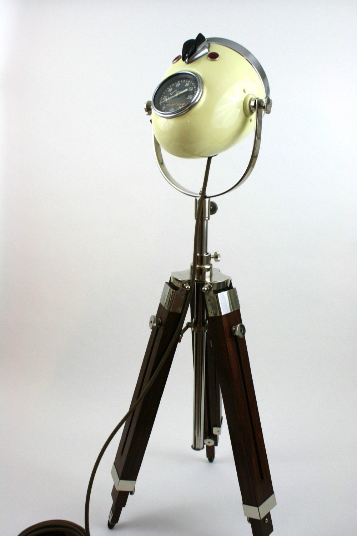 lampe sur pied phare moto vintage. Black Bedroom Furniture Sets. Home Design Ideas