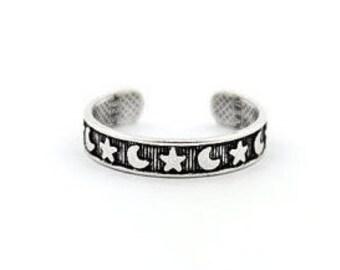 Sterling silver adjustable moon and star midi/toe ring. Sterling silver moon star adjustable knuckle ring. Moon star midi ring.