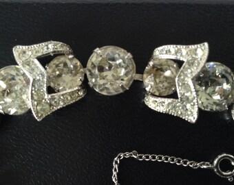 Eisenberg Rare Bow Tie Single Strand Bracelet