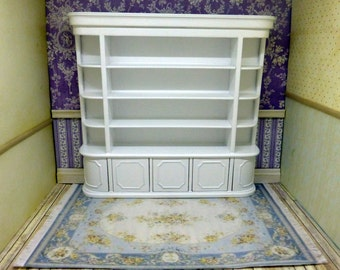 Store cabinet lacquered in white, made of carved wood. Bespaq style.