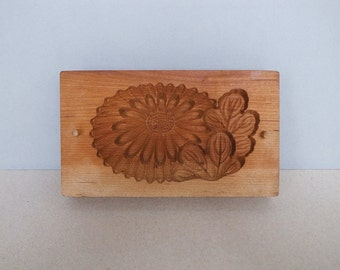 Japanese Vintage / Antique Sweets Wooden Mold - Kashigata - Kiku 菊 / Chrysanthemum Pattern