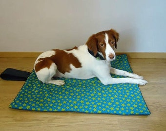 Travel pet bed.Travel dog bed. Portable dog bed. Washable pet beds. Size M