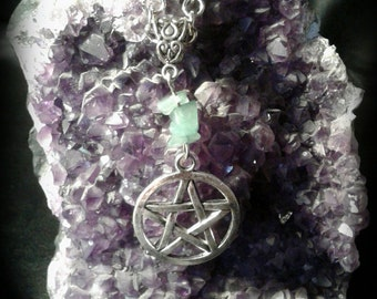 Pentacle necklace with green aventurine