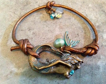 "Bohemian ""Pearl Beauty"" Metallic Bronze Leather Mermaid Bracelet"