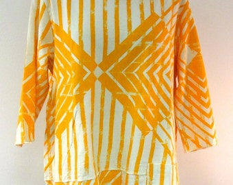 Bright and Vibrant Diamond Pattern Pull-Over Knit Top -SP14-5018