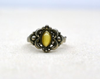 Vintage Indian silver ring.