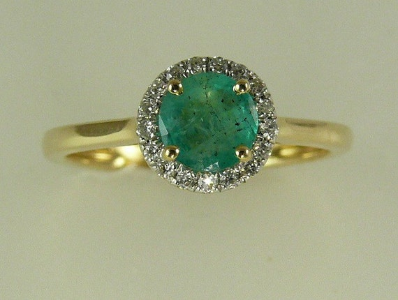 Emerald 0.50ct Ring 14k Yellow Gold and Diamonds 0.10ct