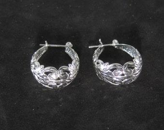 Very Vintage Sterling Silver Flower Hoop Earrings Lever Back Type