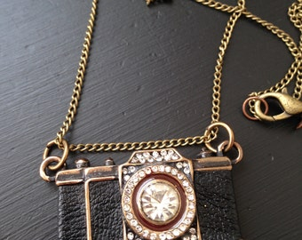 Oh snap! Camera Necklace