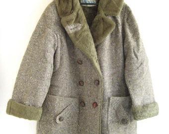 ON SALE 1970's Women's tweed coat