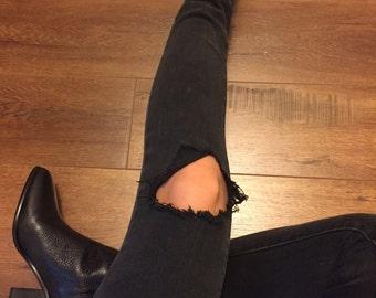 Black ripped skinny jeans