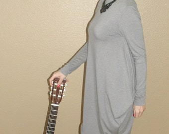 Statue Dress with long sleeves