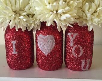 Valentine Centerpieces, Valentines Gift,Wedding Centerpieces, Red Glitter Mason Jars. Vase,Gift for Her, Mason Jar Centerpieces
