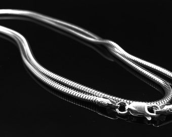 """24"""" 2.5mm Italian .925 sterling silver seamless snake chain"""