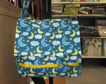 bag has layer for baby and MOM to hang out any need for your treasure