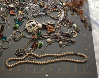 Misc. Jewelry and Parts, Jewelry Lot, Earrings, Bracelets, Necklaces,Jewelry Pieces,Jewelry Making Pieces,Jewelry Fasteners,Jewelry