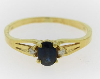 Oval natural Sapphire Ring w/ Diamond Accents 14k Yellow Gold  Solitaire