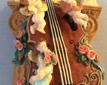Three Little Angels on Violin Music Box