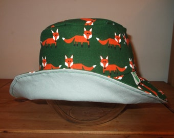 Reversible Sun Hat - Foxes and Duck Egg - Age 6 to 8