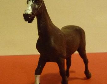 Vintage 1980's Britains Farm Animals, 1 x Bay Horse with a White Blaze and Sock (Brown with Black Mane and Tail), Scale 1.32