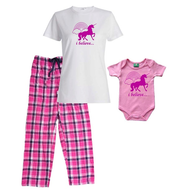 Our collection includes, Newborn Baby Girl Coming Home Outfits, Newborn Baby Girl Hospital Hats, Newborn Headbands, Cute B aby Girl Dresses, Monogrammed Baby Onesies, Newborn Feather Hats, Fluffy Newborn Tutus with Headbands, Newborn Flower Headbands, Personalized Soft Receiving Blankets, Newborn Bloomers with Matching Headbands & more!
