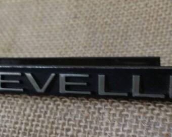1970s Chevrolet Chevelle Grill Emblem Hot Rod 1970s Collectible Auto Memorabilia Black and Chrome Chevy Chevelle Emblem Collectible Chevy