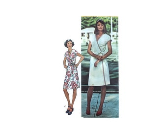 1970s Vintage Sewing Pattern - Simplicity 6260 - Wrap Dress