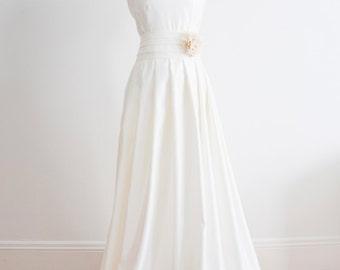 Sleeveless Satin Pleated Wedding Ball Gown