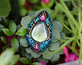 Enchantress Pendant - Labrodite Stone
