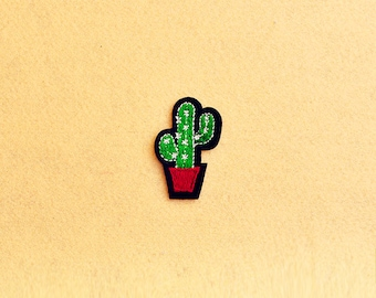 Cactus patch - Iron on patch -Sew On patch - Embroidered Patch (Size 3.4cm x 5.3cm)
