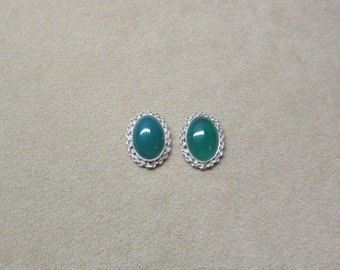 Incredible Rich Green Onyx STERLING silver earrings with a delicate rope design.