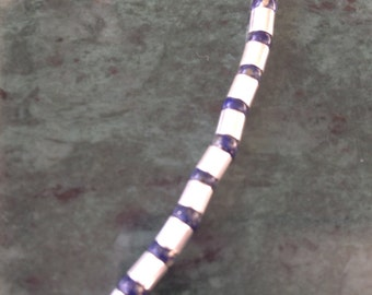 Minimalistic Necklace in Sterling Silver and Lapis Luzuli
